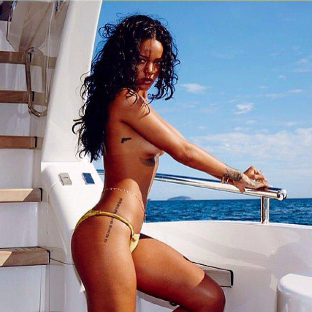 Rihanna-ს შიშველი ფოტოსესია