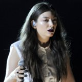 Lorde's Hair and Makeup Performing at the Grammys 2014