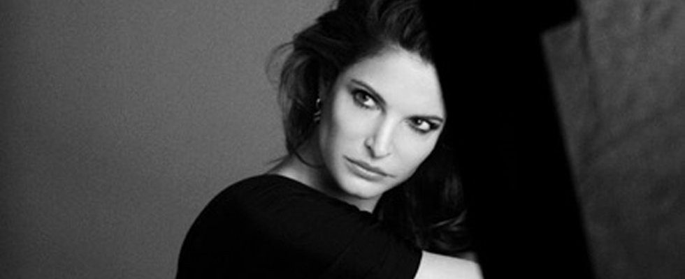 Stephanie Seymour Signs With Estée Lauder at 45