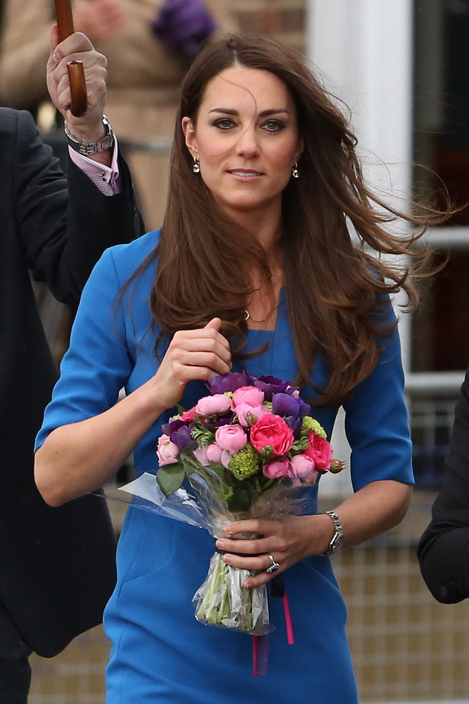 A semistraight blowout looked gorgeous on Kate — even while it was blowing in the wind.