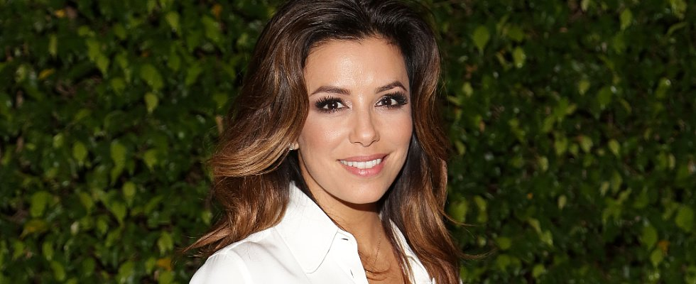 Breaking: Eva Longoria Cut a New Fringe!