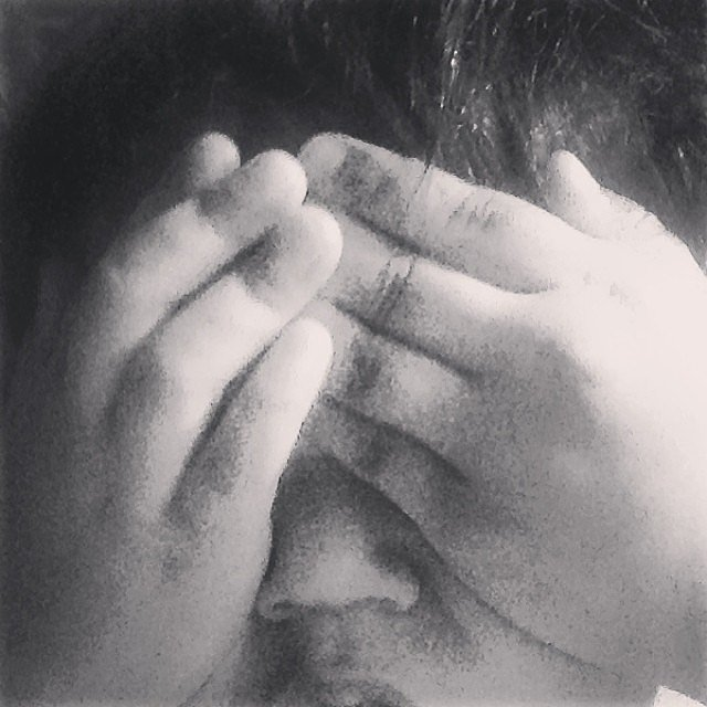Phyllon Joy Gorré played peekaboo with his mom, Doutzen Kroes. Source: Instagram user doutzen
