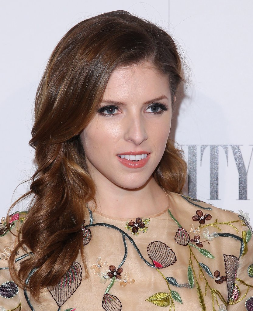 Anna Kendrick at Vanity Fair DJ Night