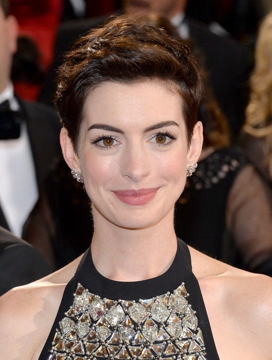 Pictures of Anne Hathaway on the Red Carpet at the Oscars