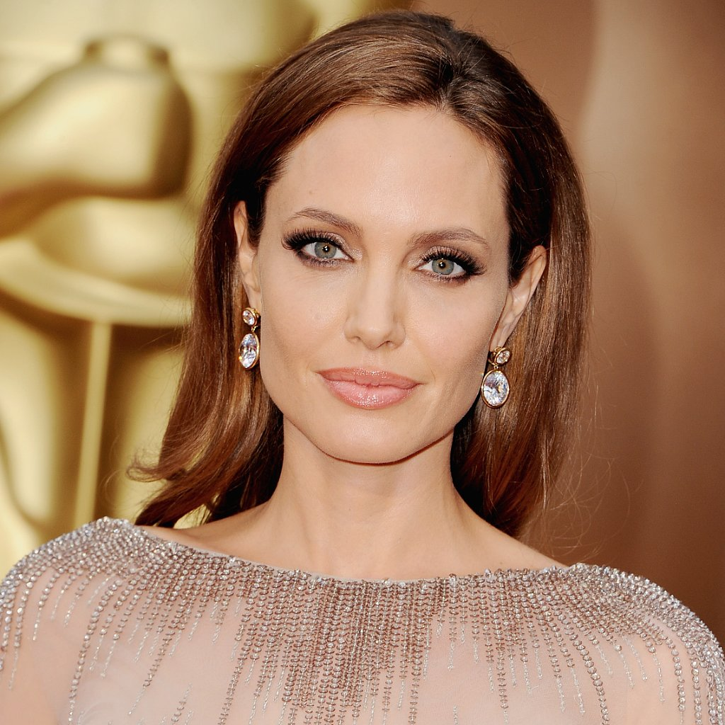 Angelina Jolie's Hair and Makeup at Oscars 2014