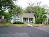 Houzz Tour: Playing With Good Tension in Austin (12 photos)