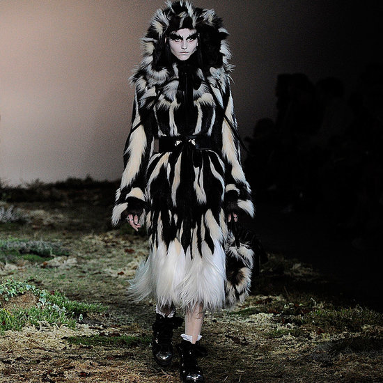 Alexander McQueen Fall 2014 Runway | Video