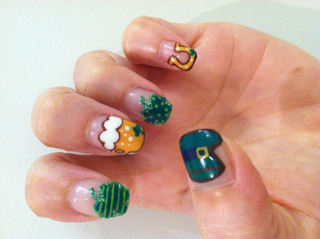 You Still Have Time to DIY This St. Patrick's Day Nail Art