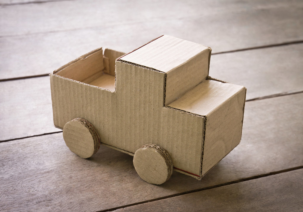 12 Incredible DIY Cardboard Box Projects