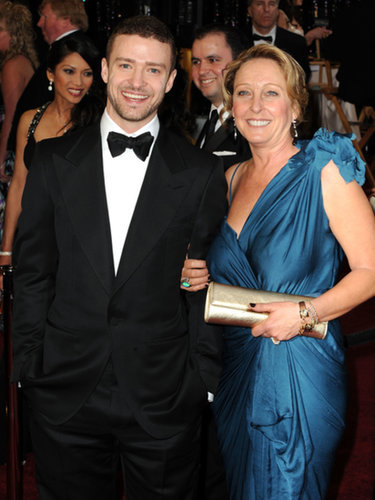 When he brought his mom to the Oscars in 2011. (Aw!)