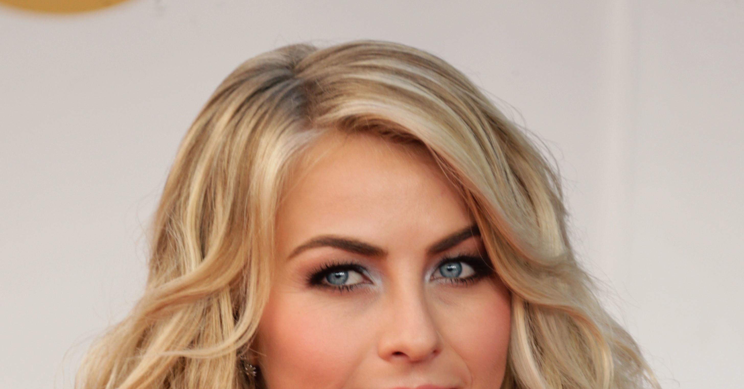 Displaying 20> Images For - Julianne Hough Lob...