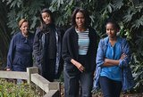 Michelle, Malia, and Sasha Obama stopped by a panda research center with Michelle's mom, Marian Robinson.