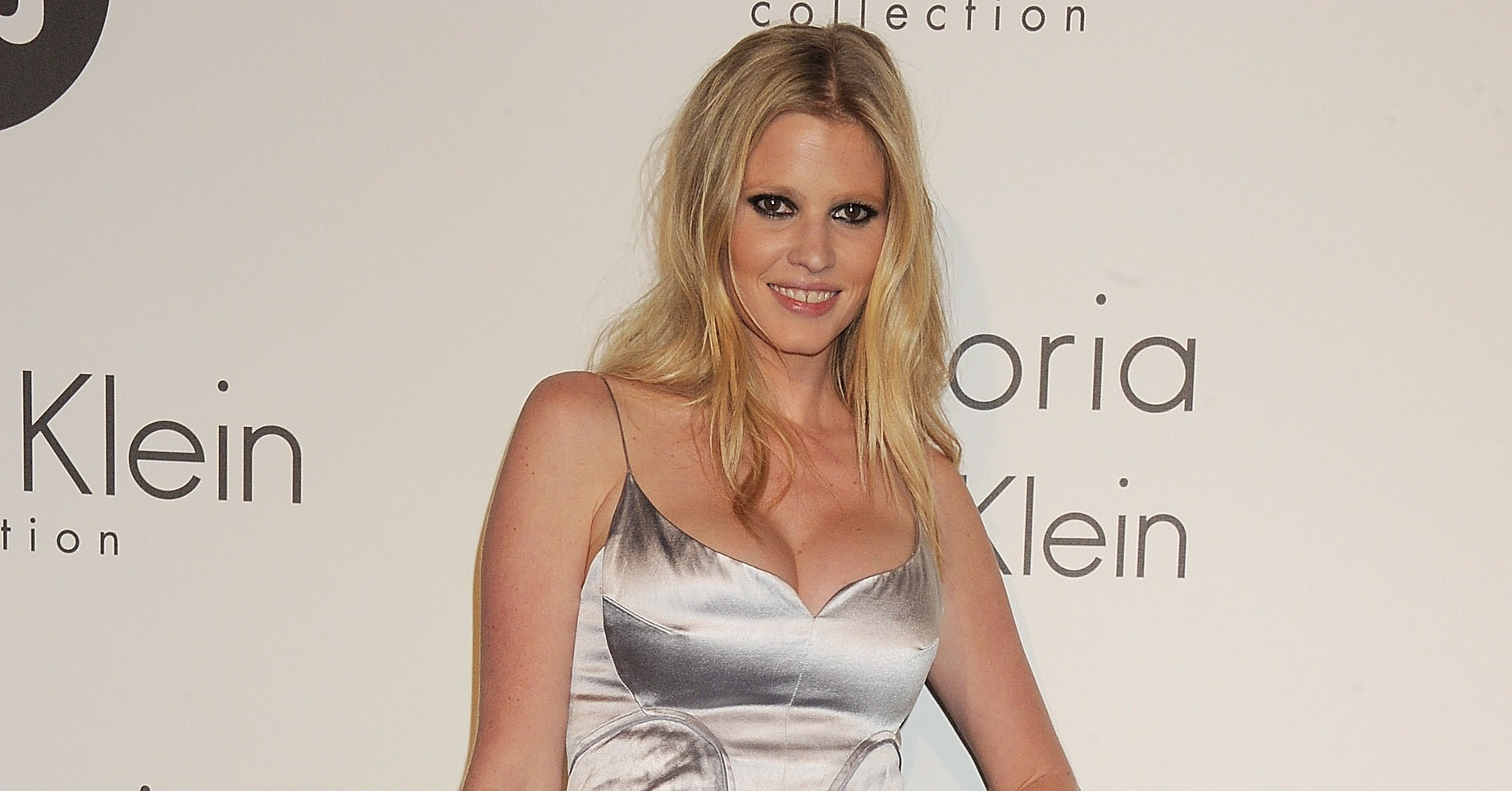 lara stone calvin klein dress - photo #25