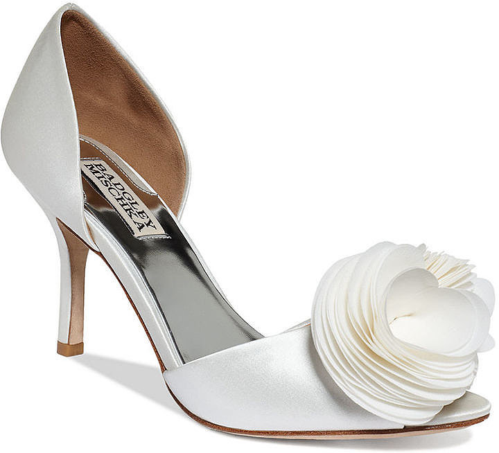 Badgley Mischka White Pumps