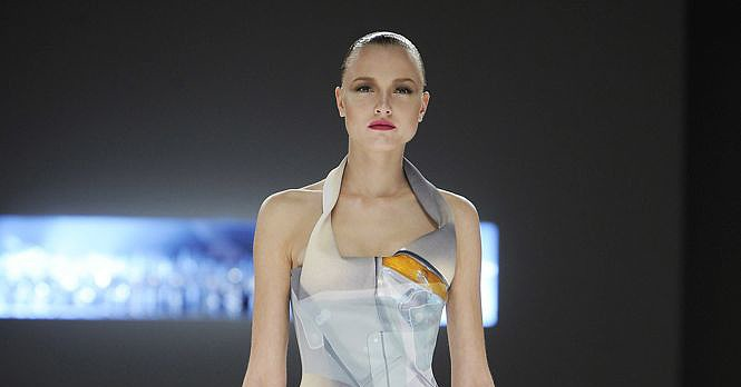 Paris Fashion Week: Hussein Chayalan Spring 2009