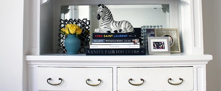 5 Charming Ways to Organize Your Books