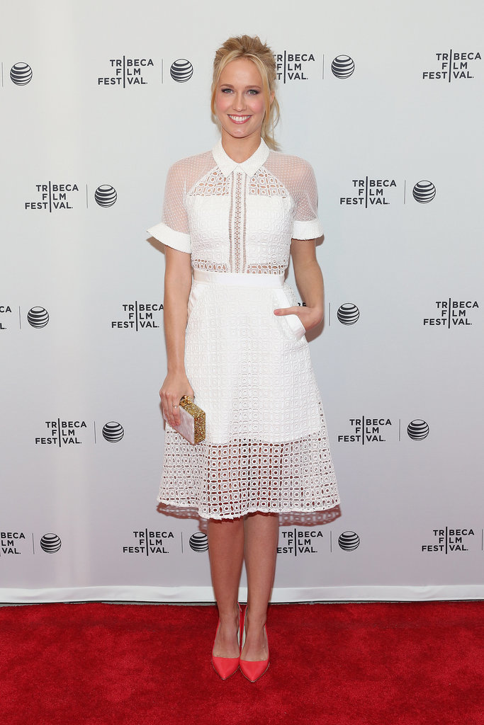Anna Camp looked pretty in white at the Goodbye to All That premiere.