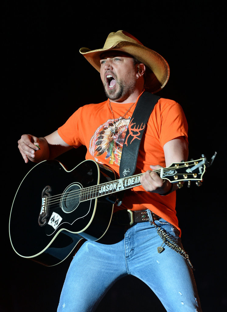 Because Jason Aldean may not be the hottest, but he can still work tight jeans.