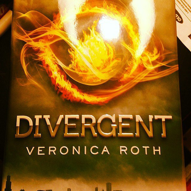 "Kristenlys shared this snap of Divergent with the caption: ""Movie prep, reread!"""