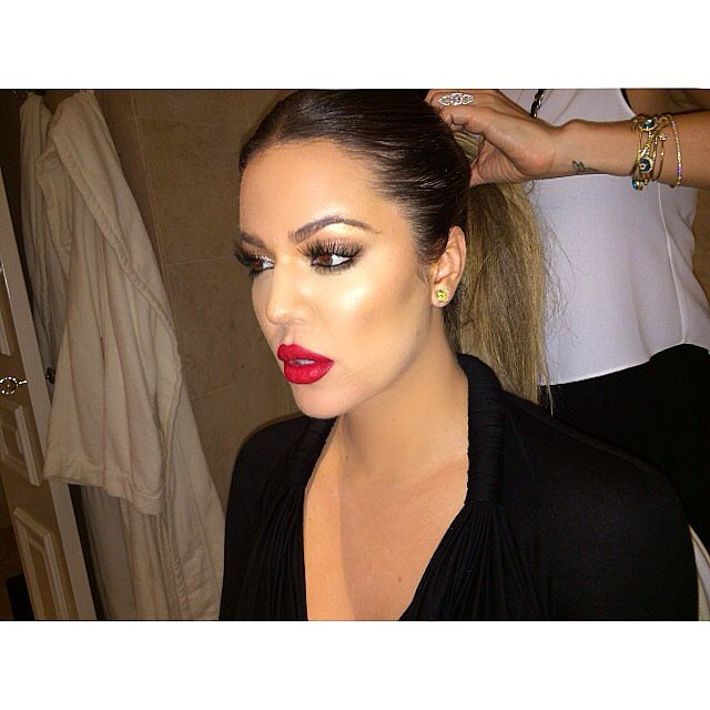 Khloé showed off her hair and makeup look for the day.  Source: Instagram user khloekardashian