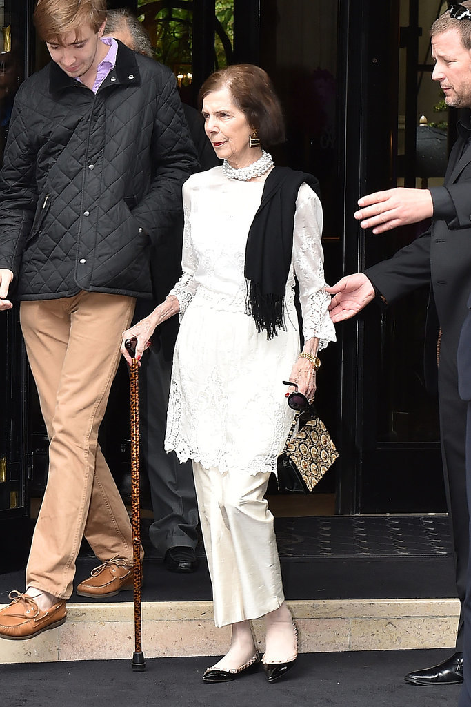 Kris Jenner's mother, Mary Jo Shannon, prepared to leave for the chateau.