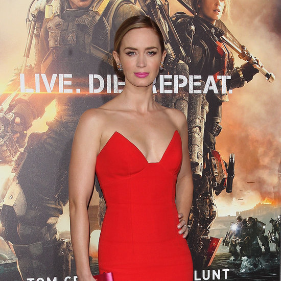 Emily Blunt Hot Outfits Edge of Tomorrow   VideoEmily Blunt Edge Of Tomorrow Workout