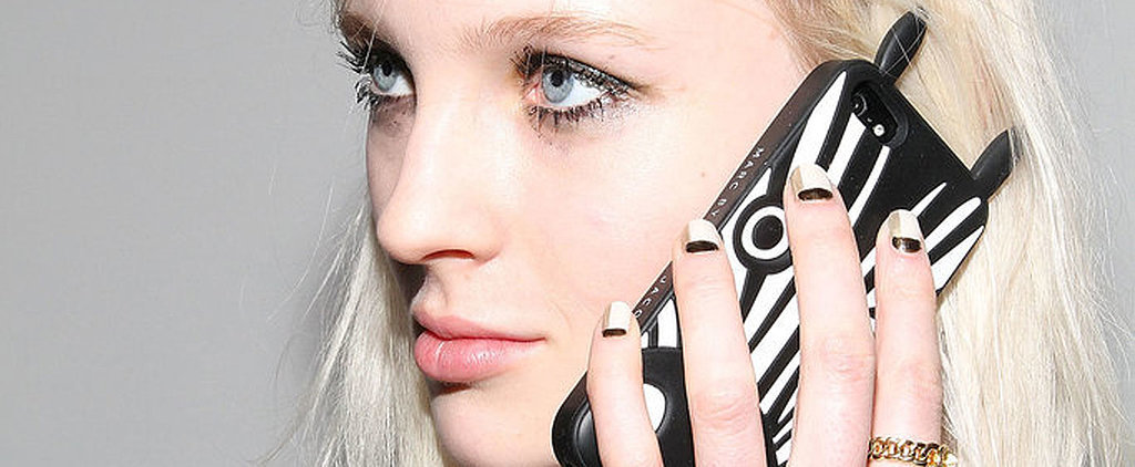 5 Ways Your Mobile Phone Is Completely Ruining Your Skin