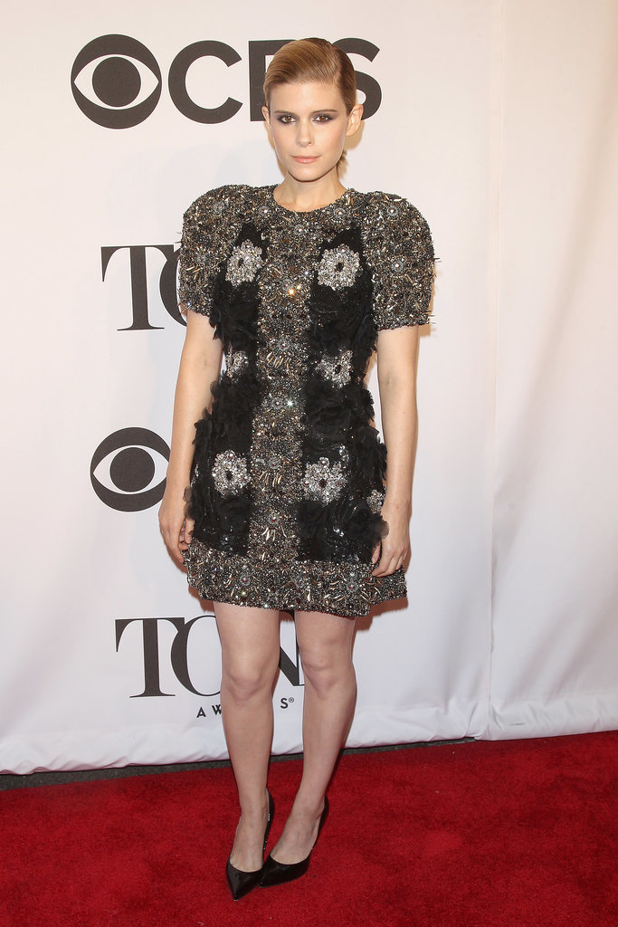 Kate Mara went for a bold look.