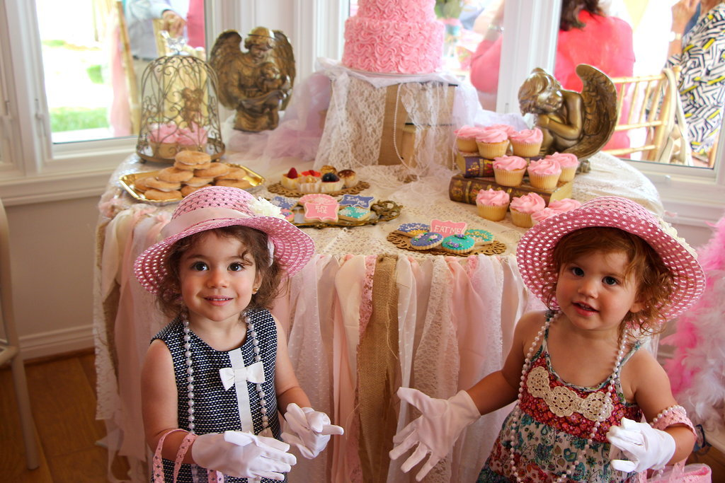Tea For a Crew! A Shabby-Chic Vintage Birthday Party