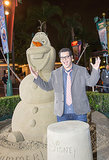 Josh Gad posed with a sandy Olaf when eh stopped by the park in May 2014.