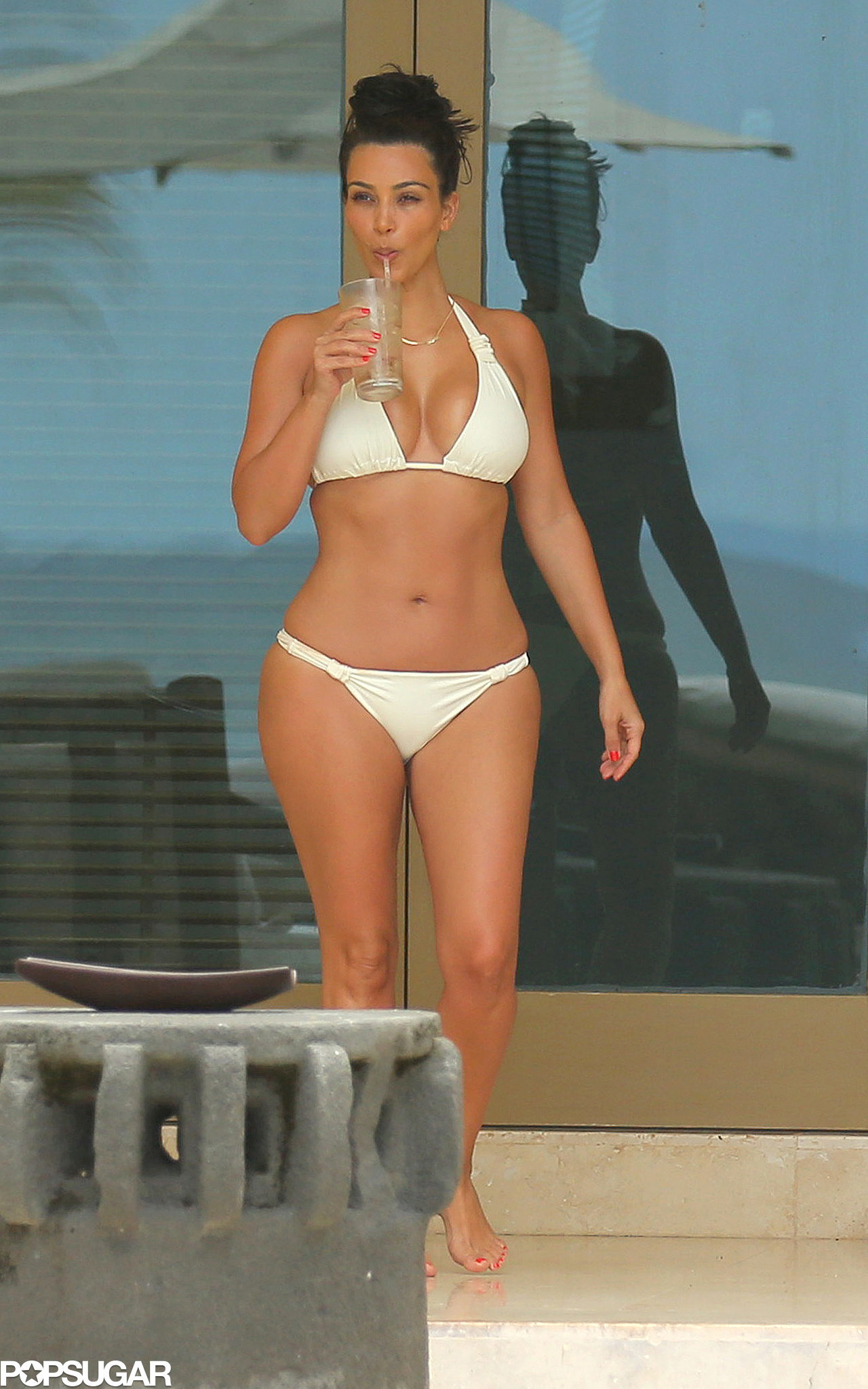 kim kardashian cannot be natty in this pic - bodybuilding forums