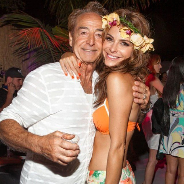 Maria Menounos and her dad were in a Hawaiian state of mind when this affectionate photo was snapped.  Source: Instagram user mariamenounos