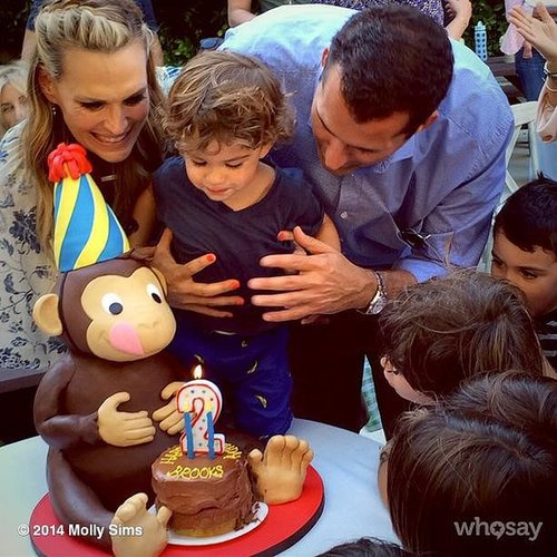 Molly Sims and Scott Stuber celebrated Brooks's birthday with an adorable monkey cake. Source: Instagram user mollybsims