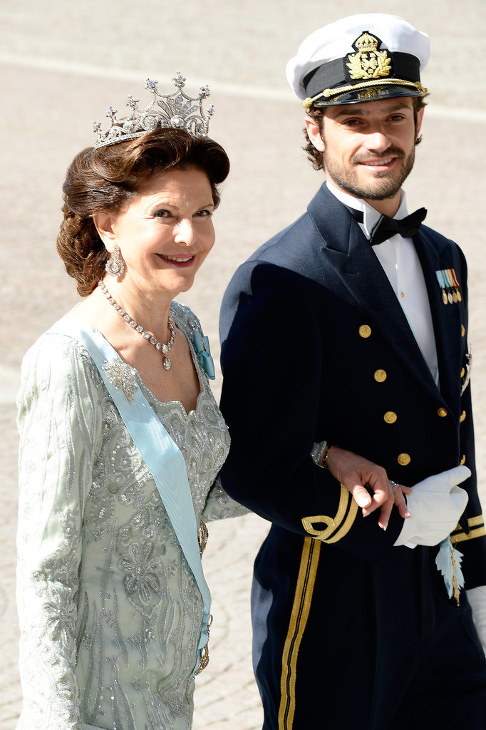 He escorted Queen Silvia at the wedding of his sister, Princess Madeleine, and Christopher O'Neill in June 2013.