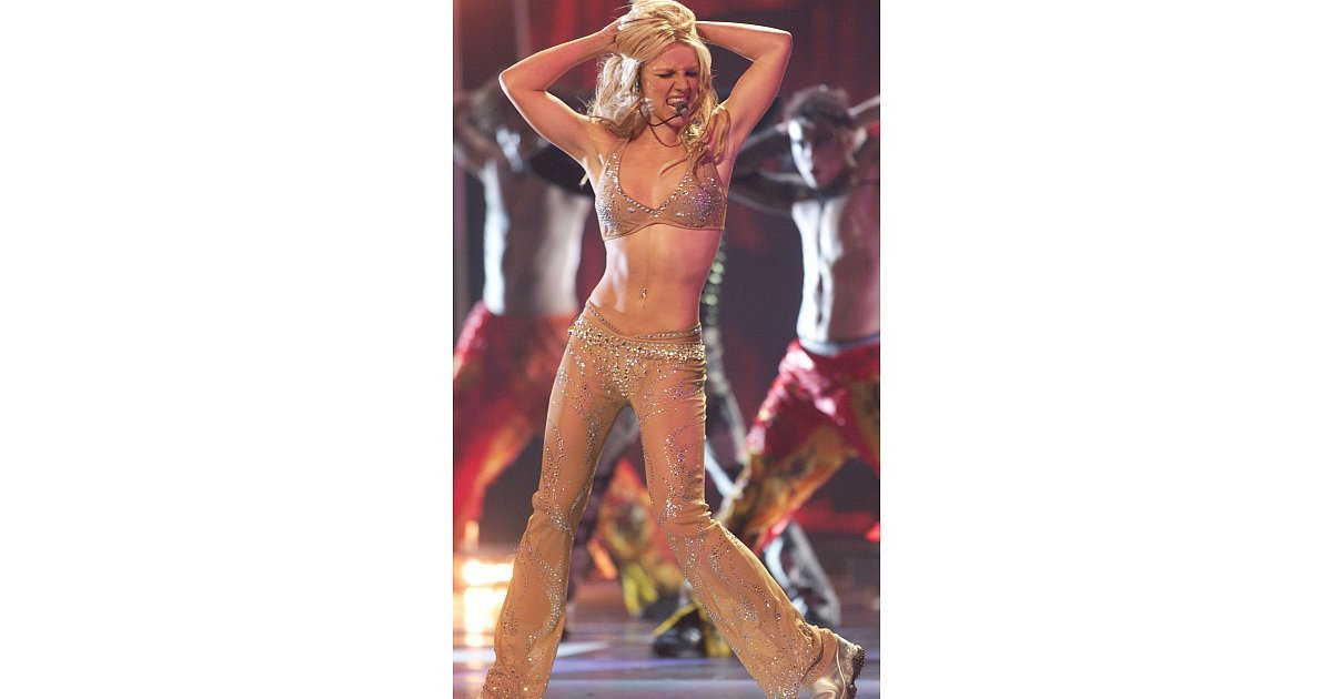 britney spears at the 2000 mtv video music awards it s