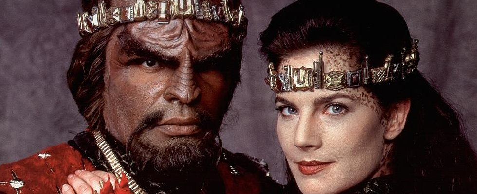 "9 Klingon Pickup Lines Better Than ""Hey Girl"""