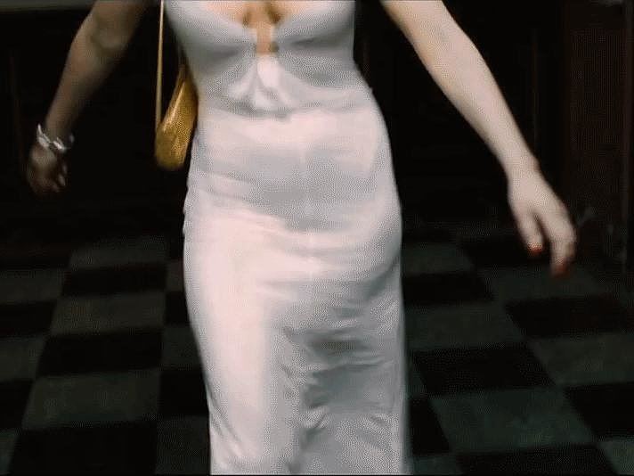When She Does This Strut in American Hustle