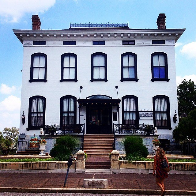 Lemp mansion the 21 creepiest haunted houses in america for Big houses in america