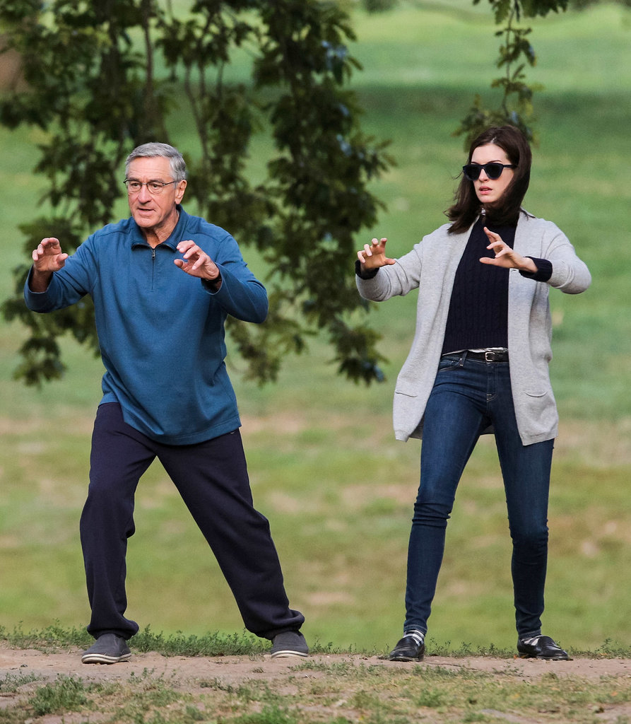 Anne Hathaway And Robert De Niro: 외방커뮤니티