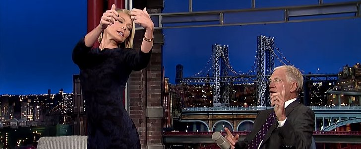 "Kelly Ripa's Hilarious ""Butt Selfie"" Incident Will Make You Cringe"