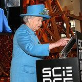 Die Queen benutzt Twitter zum ersten Mal