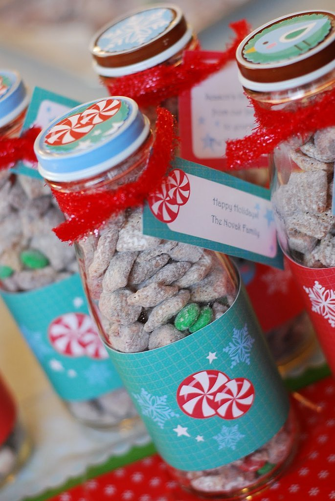 Reindeer Chow | DIY Gifts to Make When You Have a Ton of People on ...