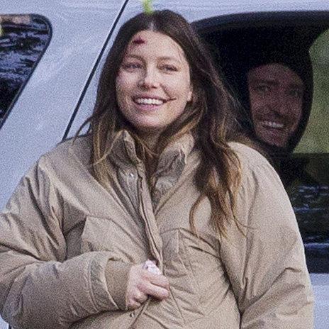Justin Timberlake Visits Pregnant Jessica Biel on Movie Set