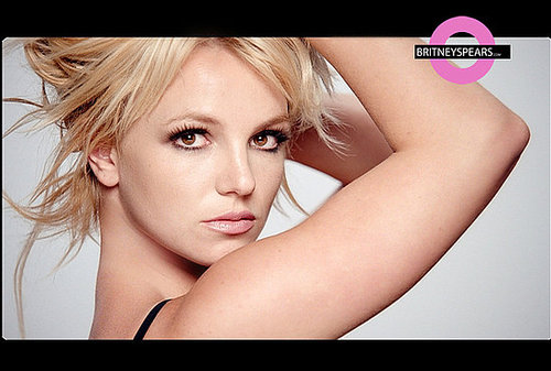 """Britney Spears: """"3"""" is going to premiere on Friday!!!"""
