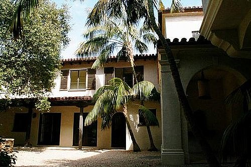 Meg Ryan Reduces the Price of Her Bel-Air Mansion