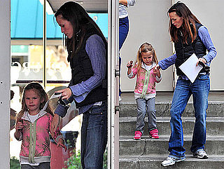 Photos of Jennifer Garner and Violet Affleck Leaving School in LA