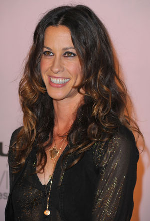 How Did Alanis Morissette Beat Her Eating Disorder?