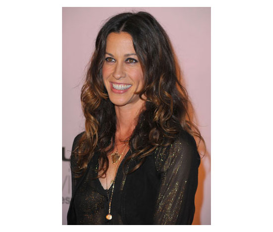 Alanis Morissette on Defeating Her Eating Disorder