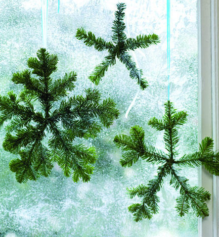 Sunset shows you how to turn evergreen branches into yummy-smelling hanging snowflakes.
