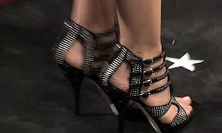 FabTV Video of Shoes at 2010 People's Choice Awards Featuring Kate Walsh, Diane Kruger, Carrie Underwood, and Mary J. Blige 2010-01-08 12:00:22